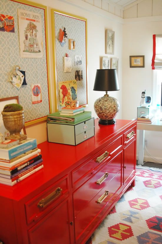 Statement Buffet. I ❤️ anything red lacquer.