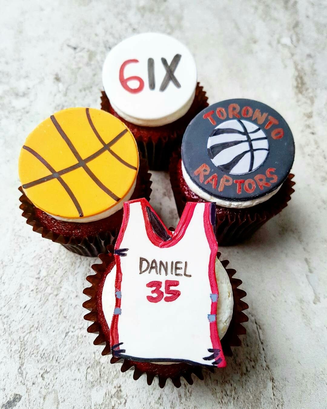 Toronto Raptors Cupcakes Eini & Co. www.eini.ca