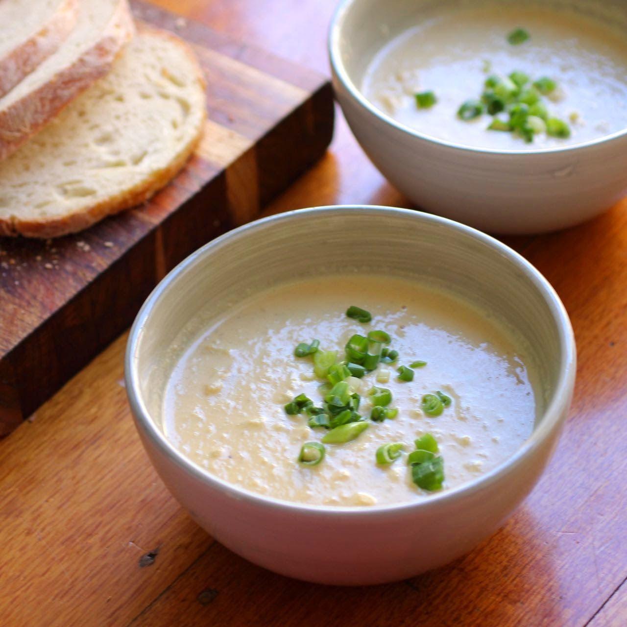 Green Gourmet Giraffe: Cheesy cauliflower and rice soup (vegan)