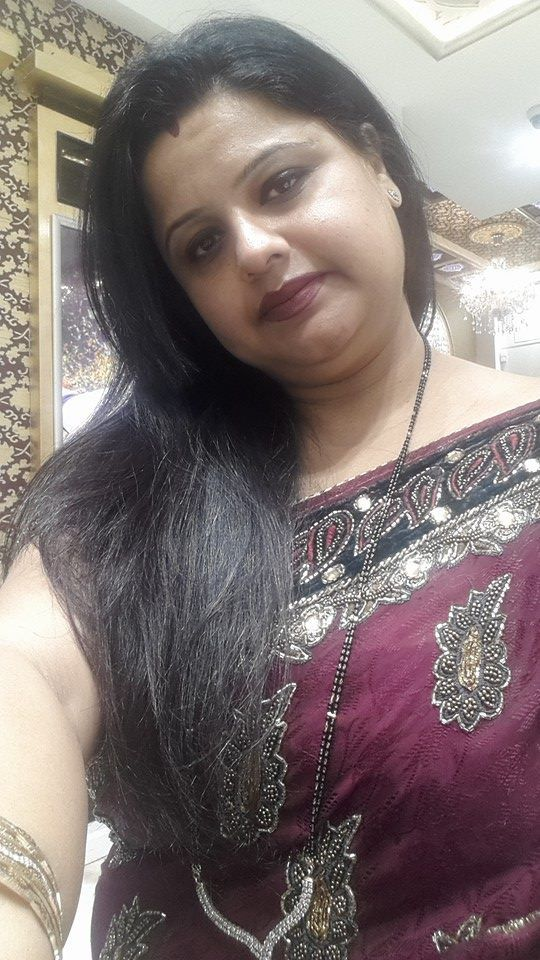 selfie indian aunty hot