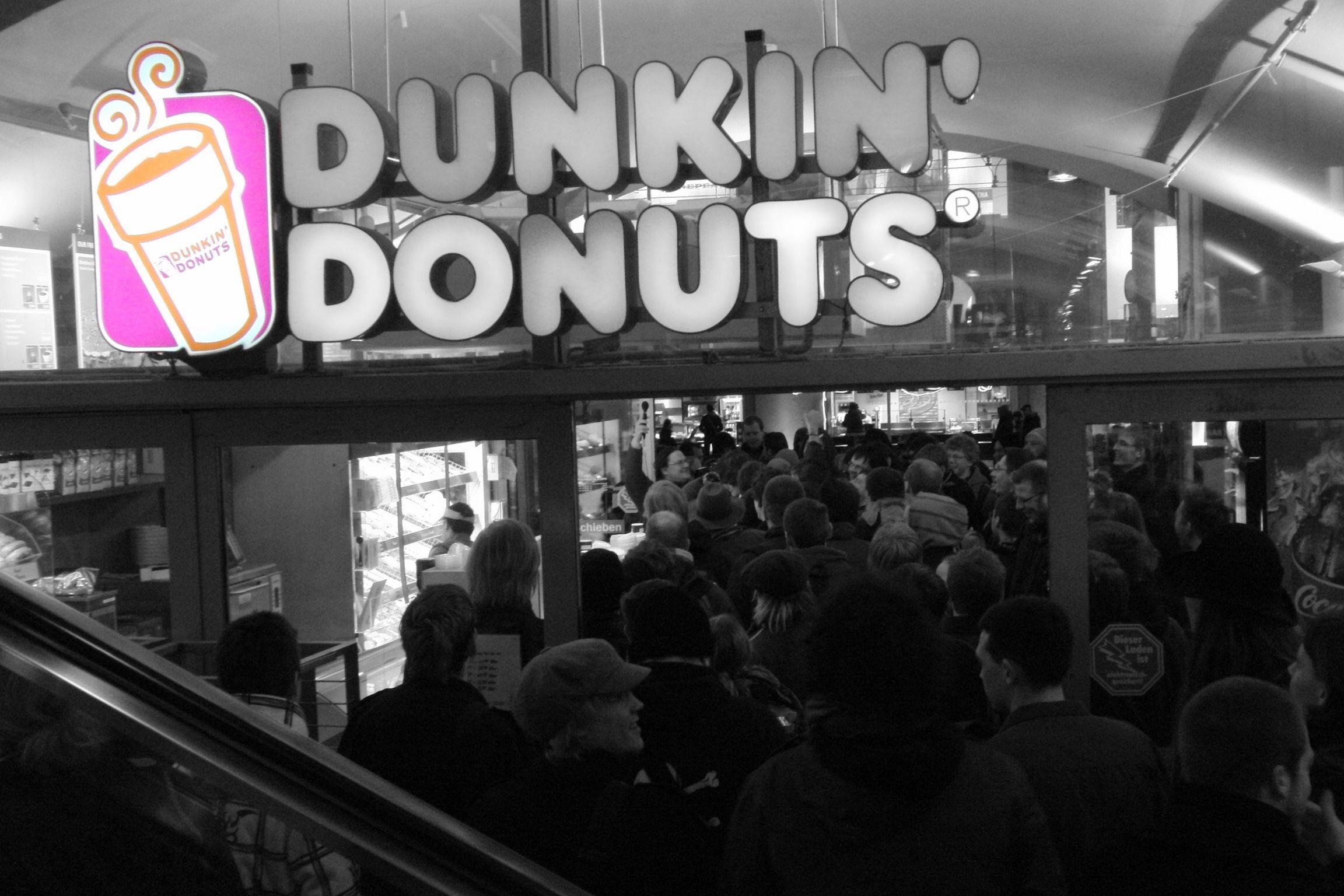 Dunkin Donust Raid Berlin Alexanderplatz