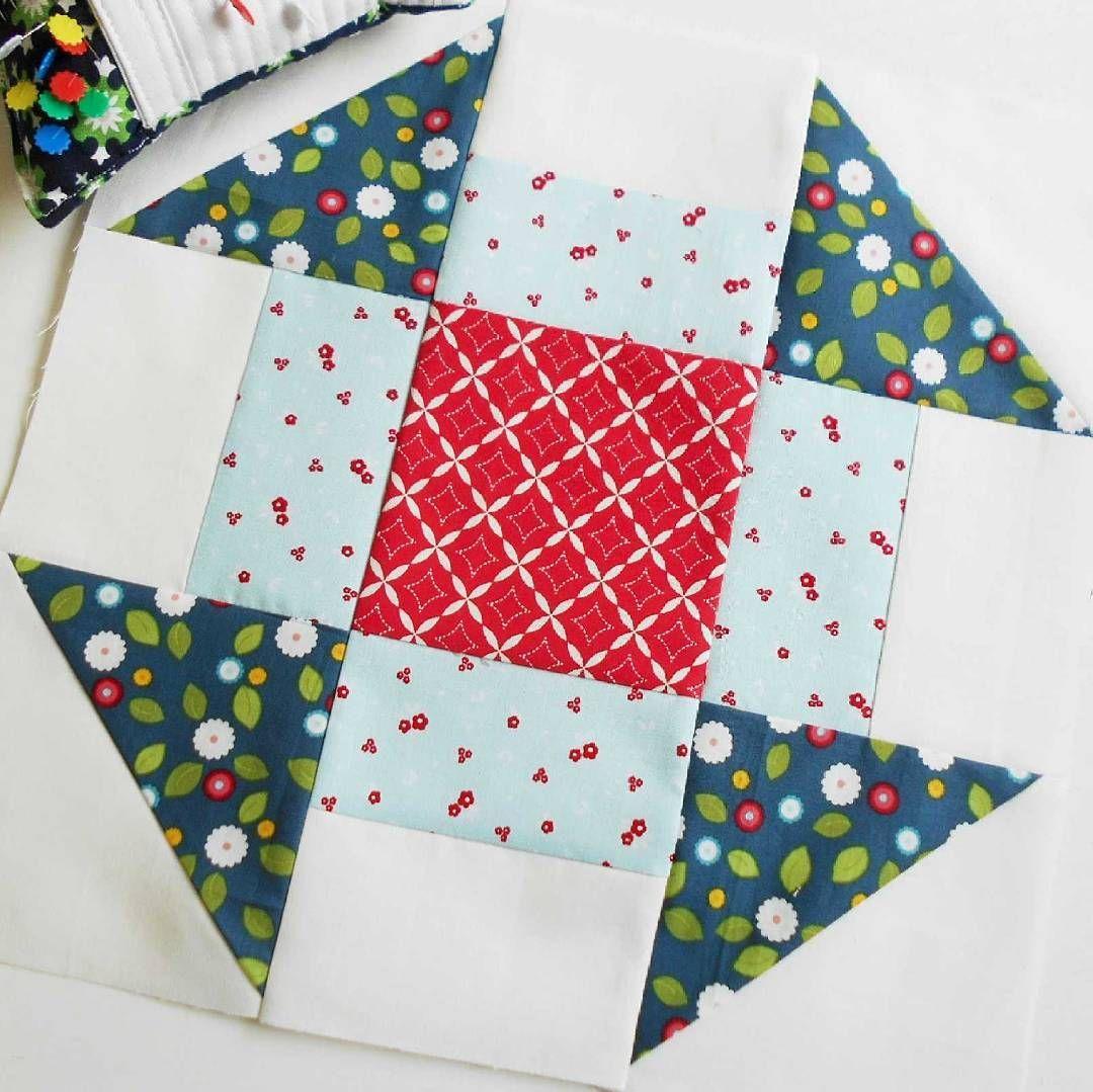 "Block 22 - Churn Dash.  This is February's block for the ""6 Designers - 12 Blocks"" (6kopfe12blocke) sew along.  One of my favourite quilt blocks."