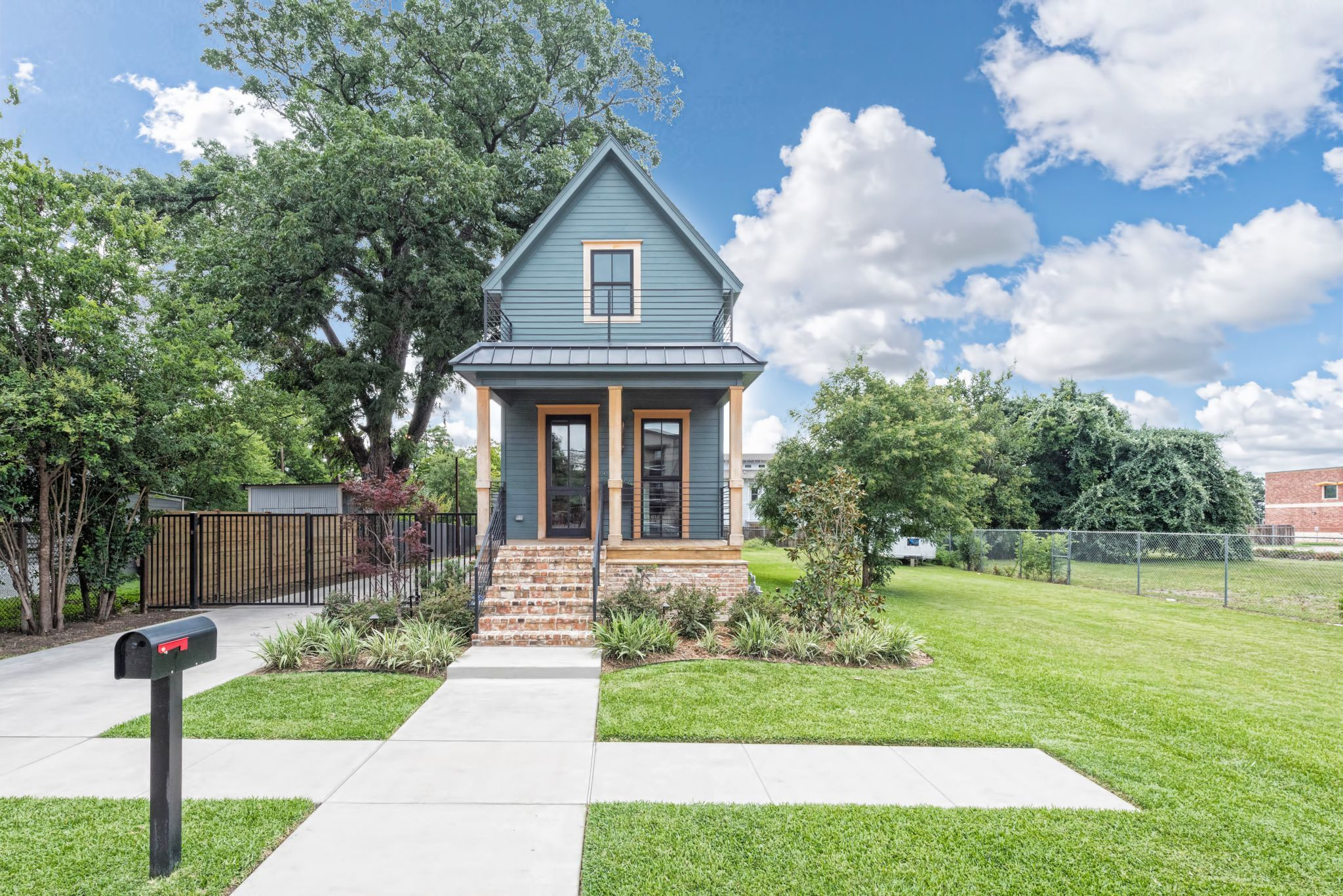 Fixer Upper' shotgun house for sale in Waco for $950,000