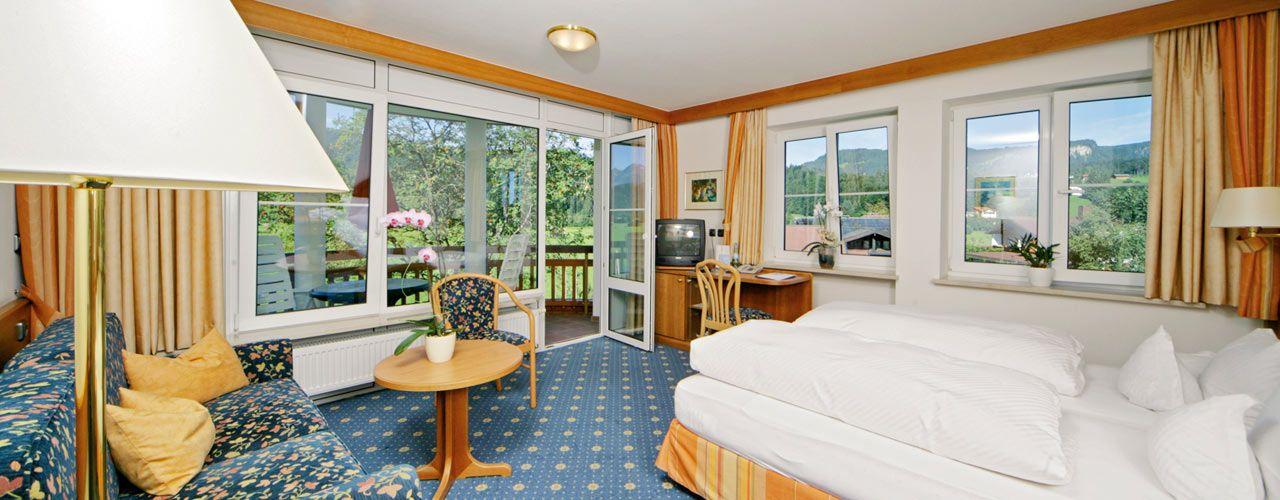 Doppelzimmer. BEST WESTERN PLUS Hotel Alpenhof