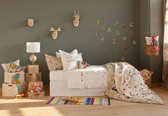 un colorido dormitorio infantil