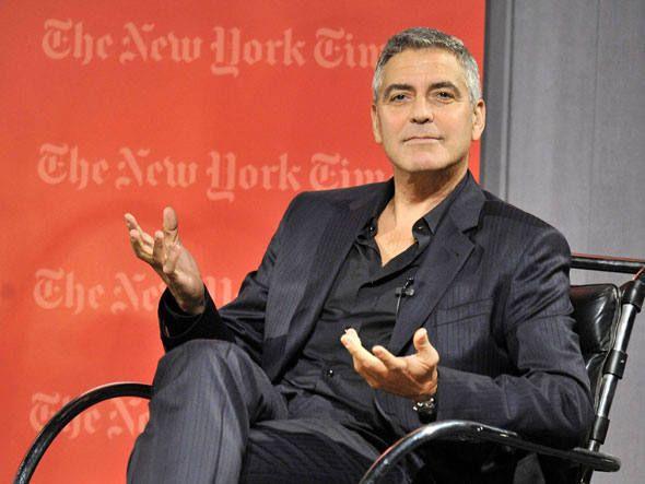 George Clooney esbanja estilo e personalidade, mesmo sem seguir as tendências da moda