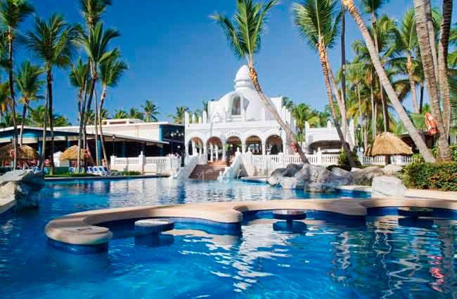 Today S Manicmondaygetaway Is The Club Hotel Riu Bambu Found In