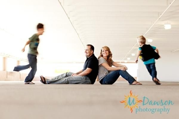 http://www.topdesignmag.com/40-creative-family-portrait-ideas/?utm_source=feedly