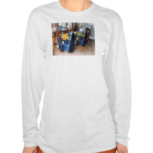 Barber Chair With Orange Barber Cape T Shirt, Hoodie Sweatshirt