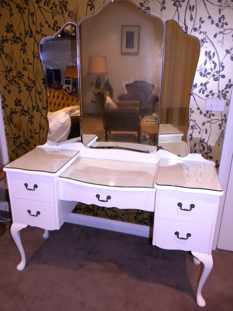 Queen Anne Style French White 5 Drawer Dressing Table Dresser W Winged Mirrors White Dressing Tables Queen Anne Furniture 5 Drawer Dressing Table