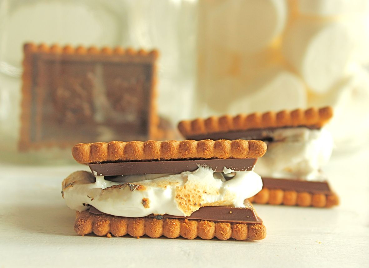 willowday: INDOOR S'MORES!   Camping desserts, Smores ...