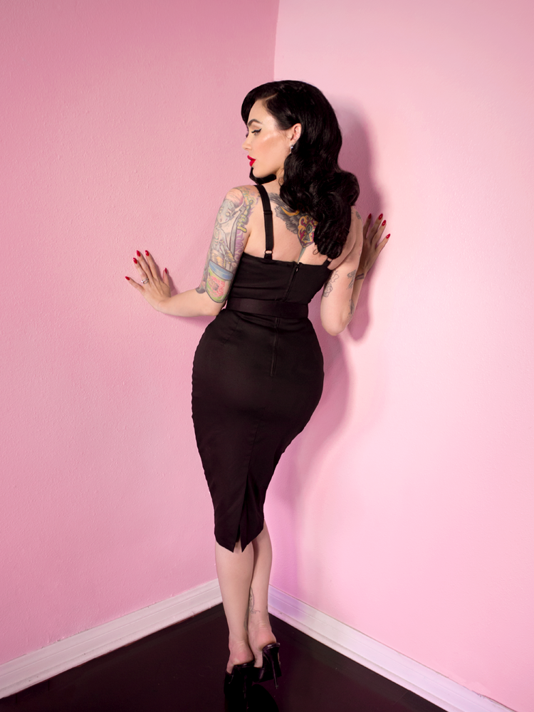 1231031607cde Sweetheart Wiggle Dress in Raven Black in 2019 | The Styled Woman ...