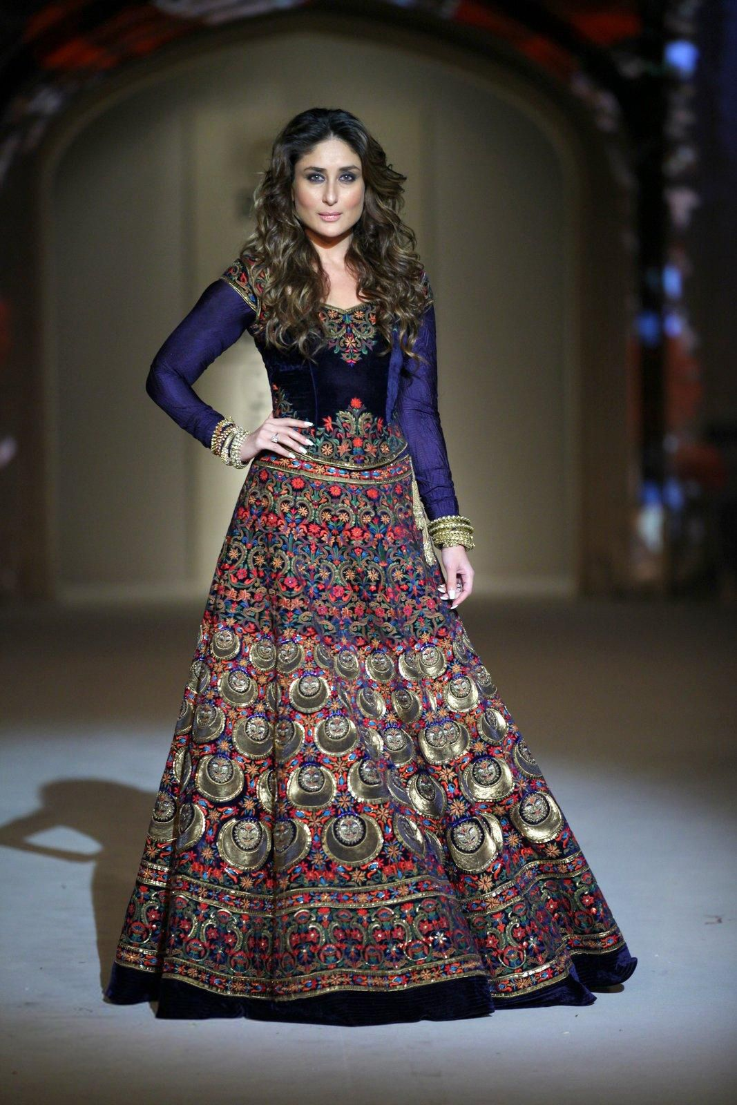 Bollywood, Tollywood & Más: Kareena Lakme fashion week ...