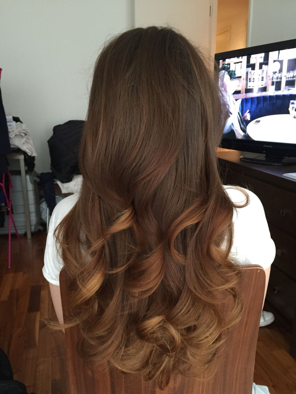 loving these long loose waves | birthday hairstyles | curls