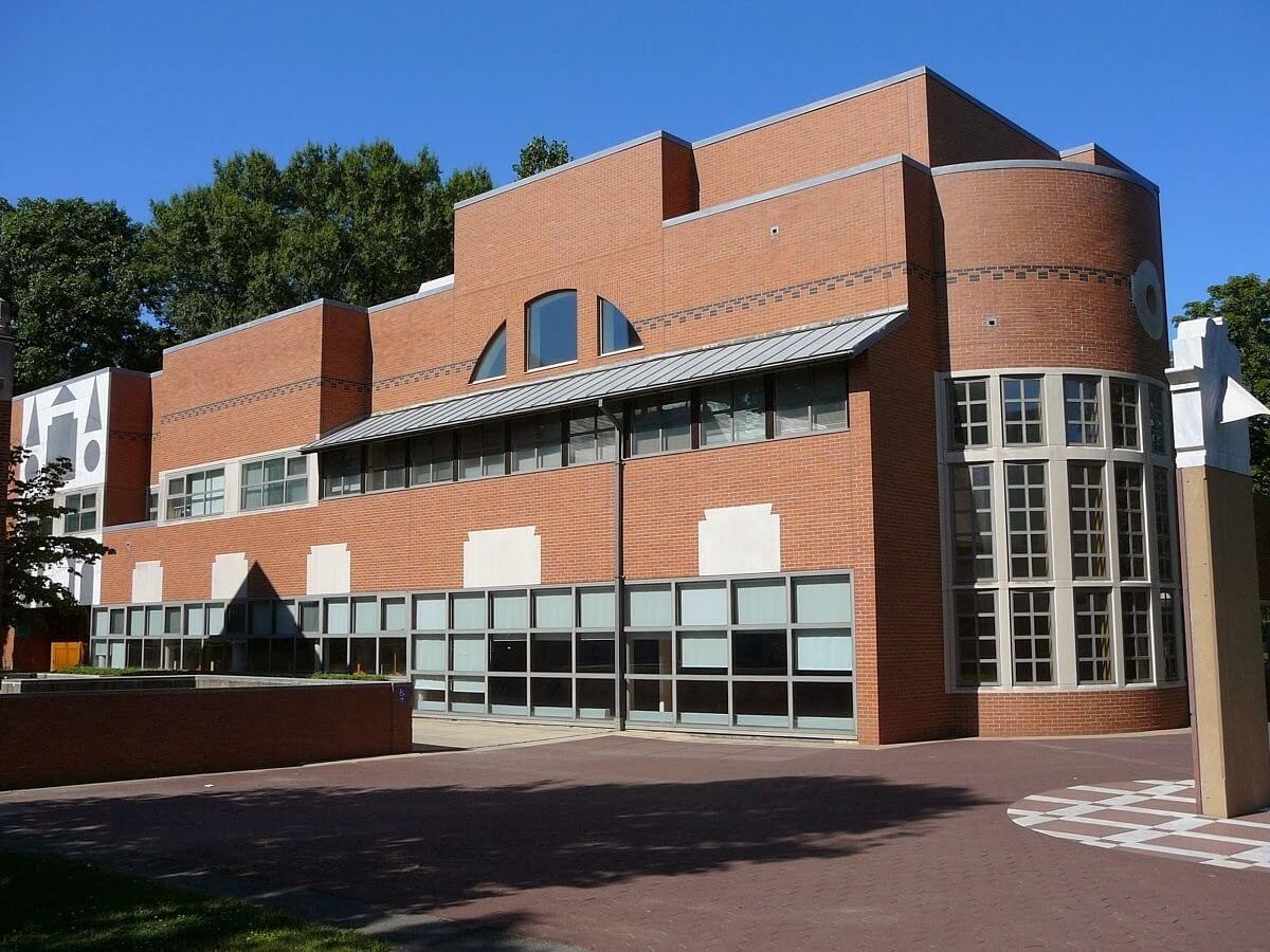 Robert Venturi | The Pritzker Architecture Prize
