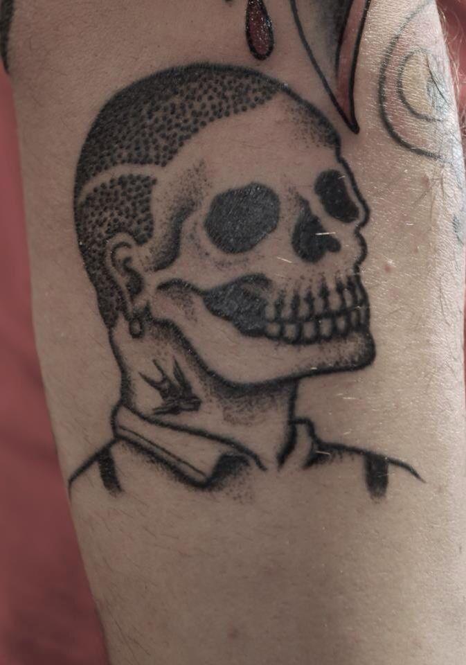 die besten 25 skinhead tattoos ideen auf pinterest. Black Bedroom Furniture Sets. Home Design Ideas
