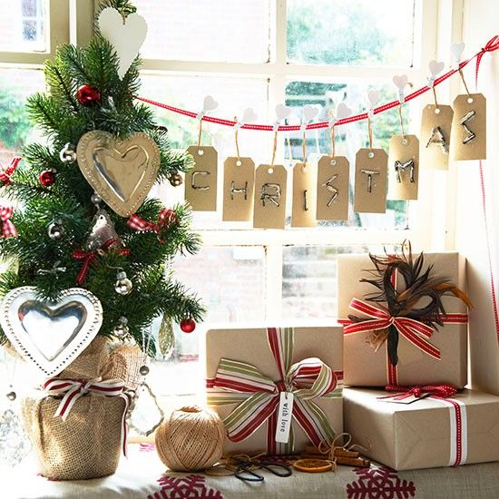 festive message country christmas decorating ideas photo gallery country homes interiors housetohomecouk - Country Christmas Decorations