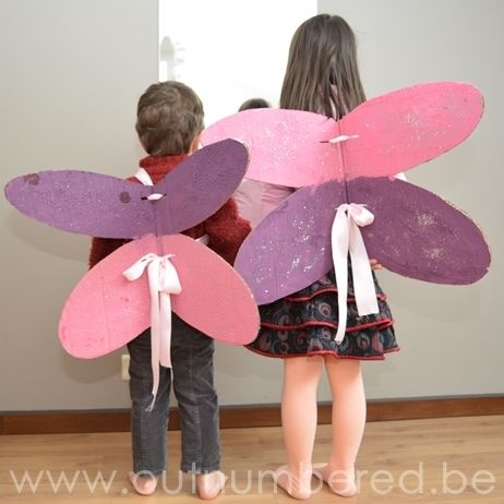 Cardboard fairy wings, a great activity for kids