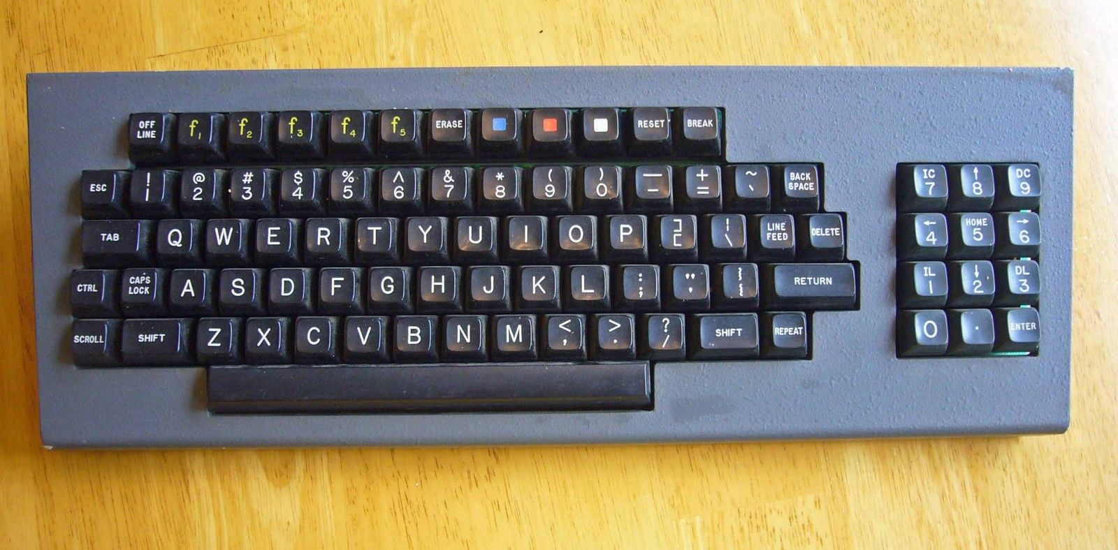 It S A Keyboard From A Zenith Z89 Heath H89 Computer Or A Zenith Z19 Terminal The Z89 Was Just The Terminal With A Z80 Based Mainboard In It Anyway