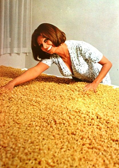 In Cucina con Amore by Sophia Loren, her cookbook from 1971 | I Want ...