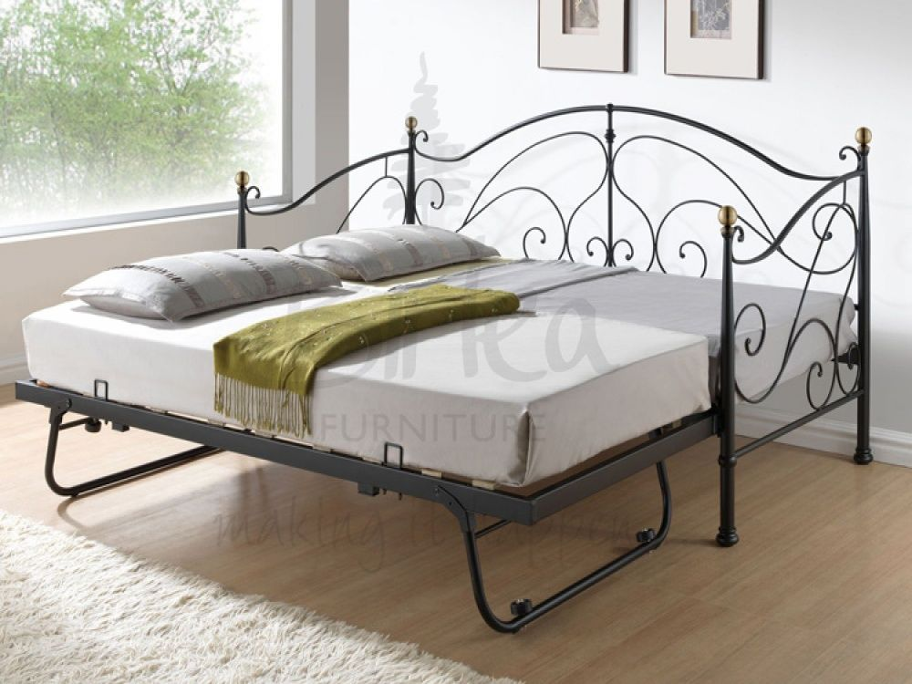 Daybed With Trundle Better Frame But Like The Pop Up Trundle