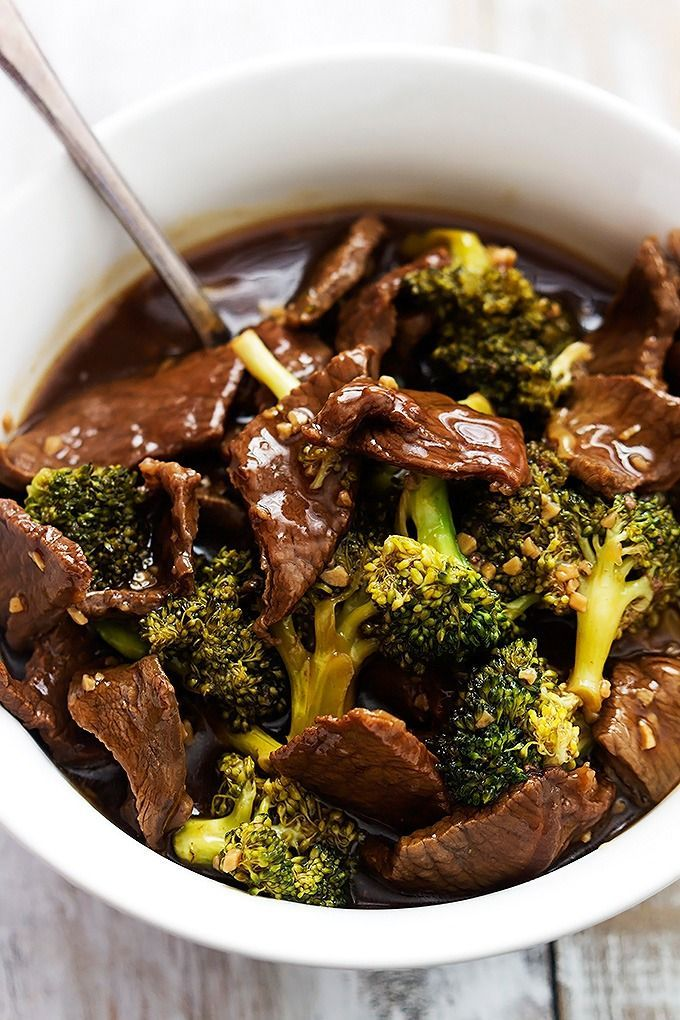 Super easy Slow Cooker Broccoli Beef! The sauce is AMAZING – so much better tasting and healthier than takeout! #beefdishes