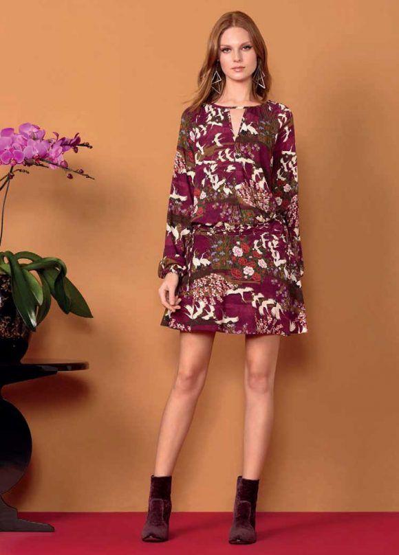 En  MaribelFernández tenemos disponible este  vestido de  LezaLez en las  tallas  M add93e4cdacc1