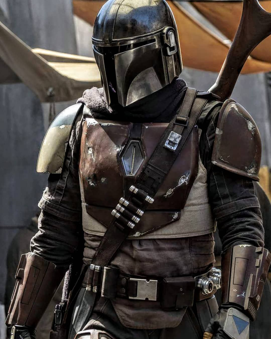Our first look of the mandalorian from the star