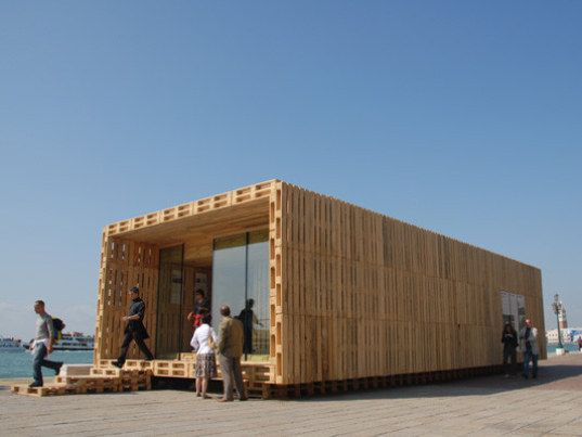 Module House efficient & affordable wood house made from shipping pallets