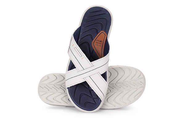 14a8ce5d5f3 A loja Passarela selecionou alguns belos modelos de chinelos West Coast e  os colocou em oferta