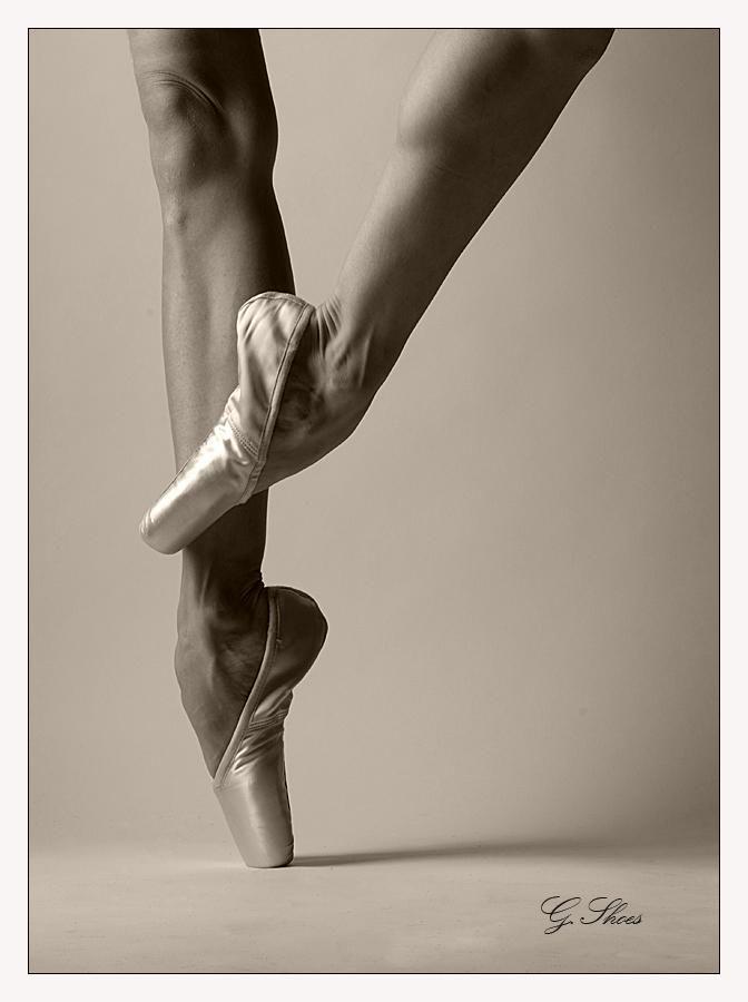 Черно-белые фото балерин в 2020 г | Ноги балерины ...