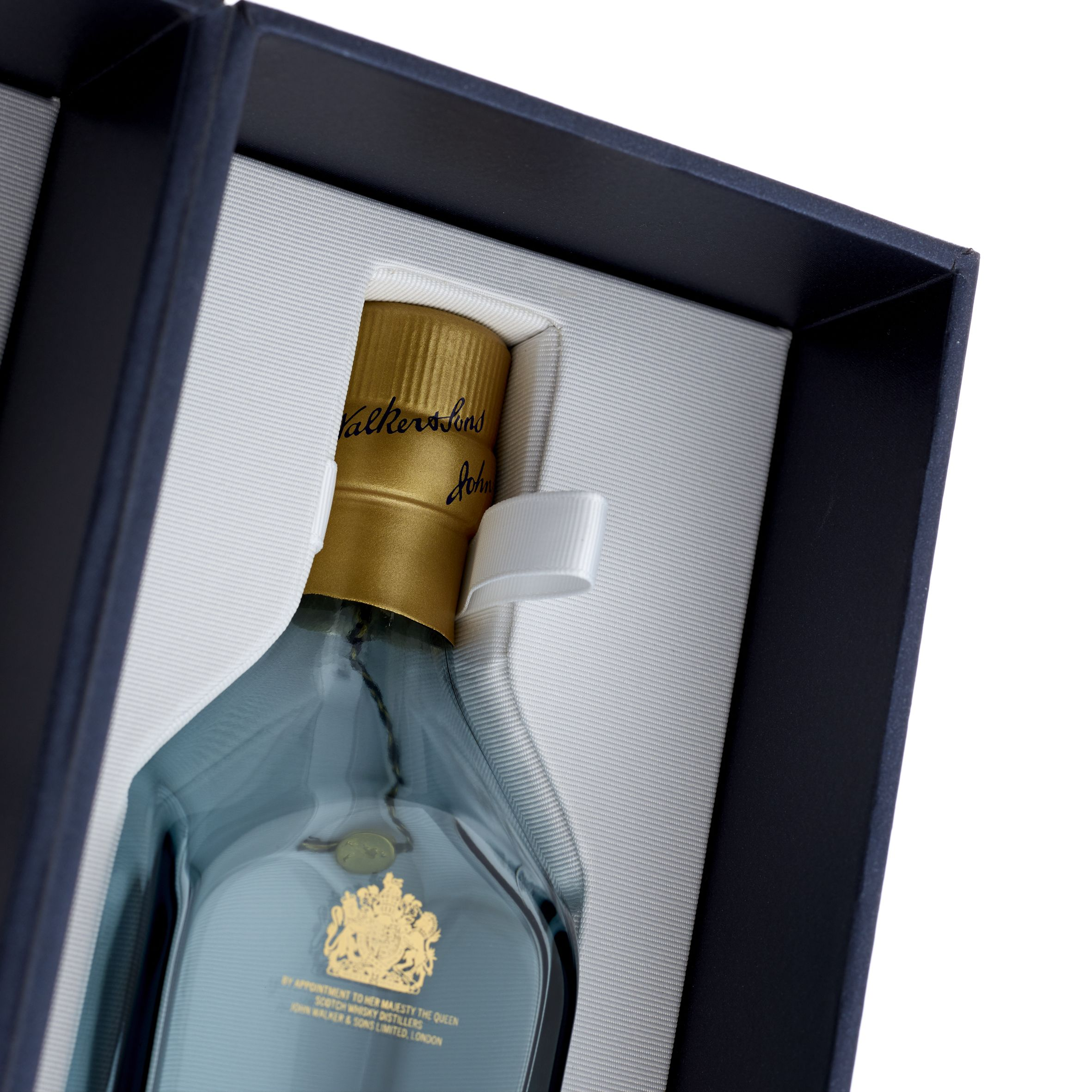 johnnie walker gift set with glasses