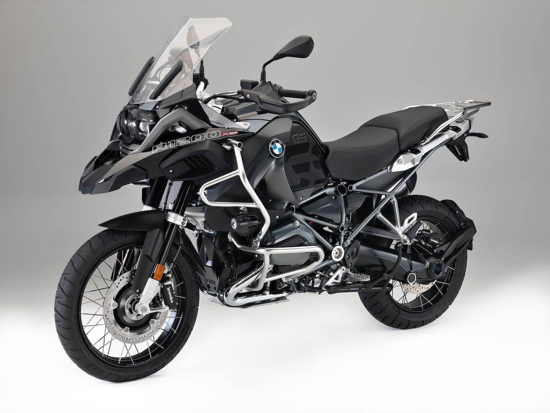 Bmw R 1200 Gs Xdrive Hybrid Unveiled 170 Hp All Wheel Drive Gs Bmw Adventure Bike Bmw Motorrad Bmw Motorbikes