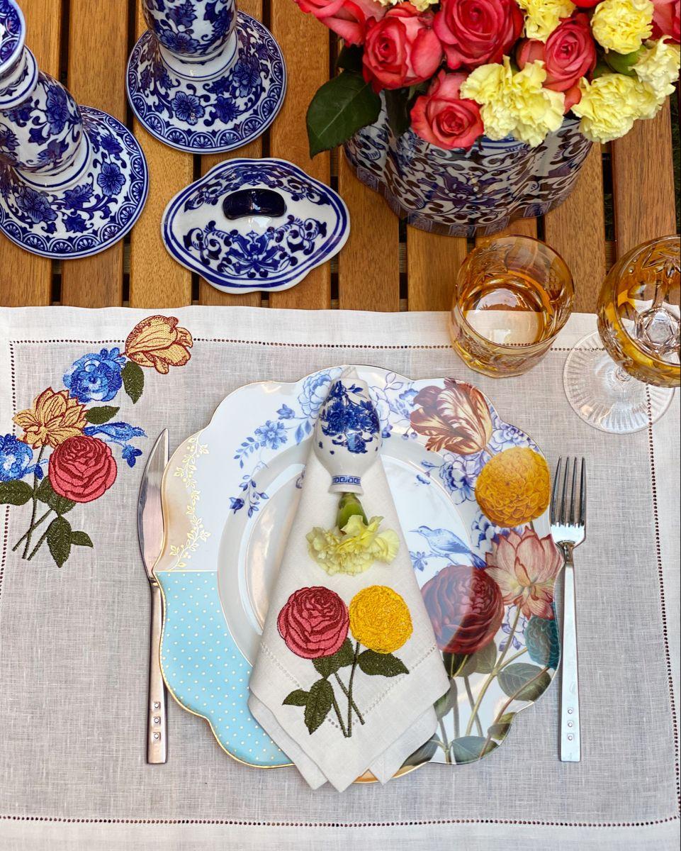 #tabledecor #autumn #tabledecorations #autumndecor #embroidery #linen #tablesettingideas