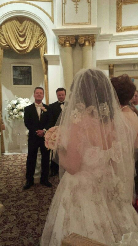 Oleg Cassini Veil And Gown Marconi Wedding At Paris Hotel Las