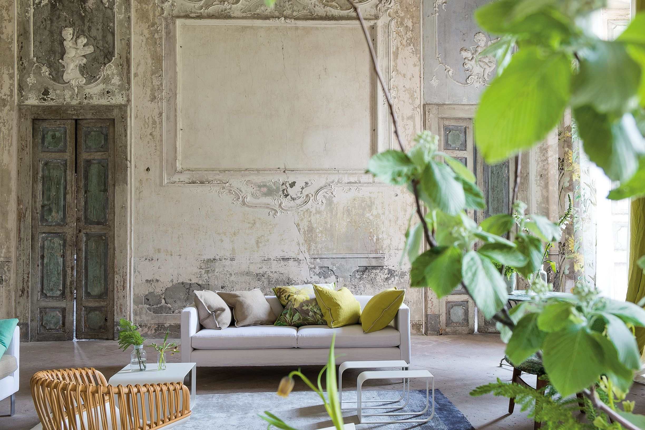 designers guild quadro sofa what a room very old world. Black Bedroom Furniture Sets. Home Design Ideas