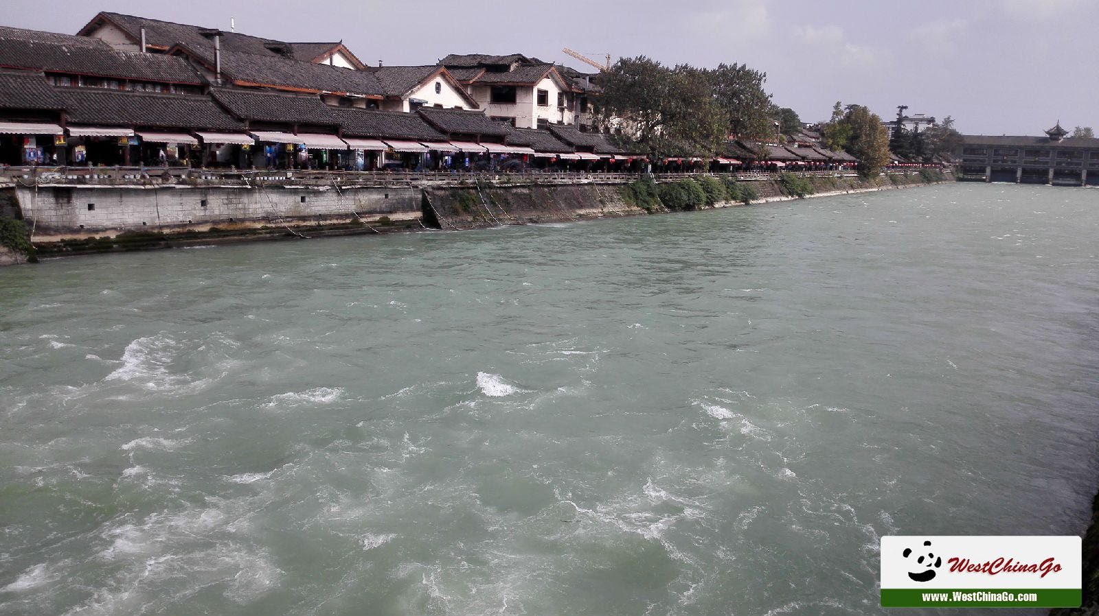1Day DuJiangYan+Mount QingChengShan High-speed Train Tour