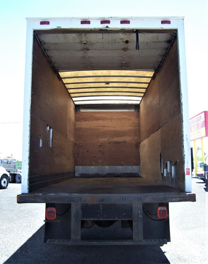 1996 FREIGHTLINER FL70 BOX TRUCK A hard to find low mileage