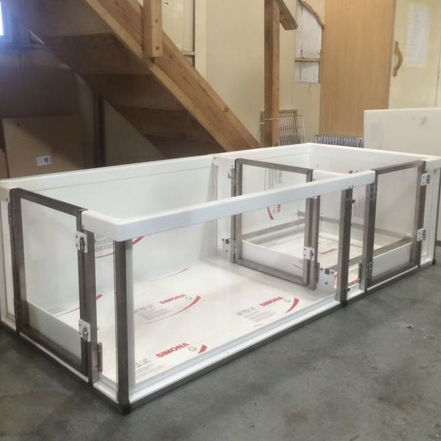 Plaztek Veterinary Suppliers | Whelping Boxes | Kennels, cages