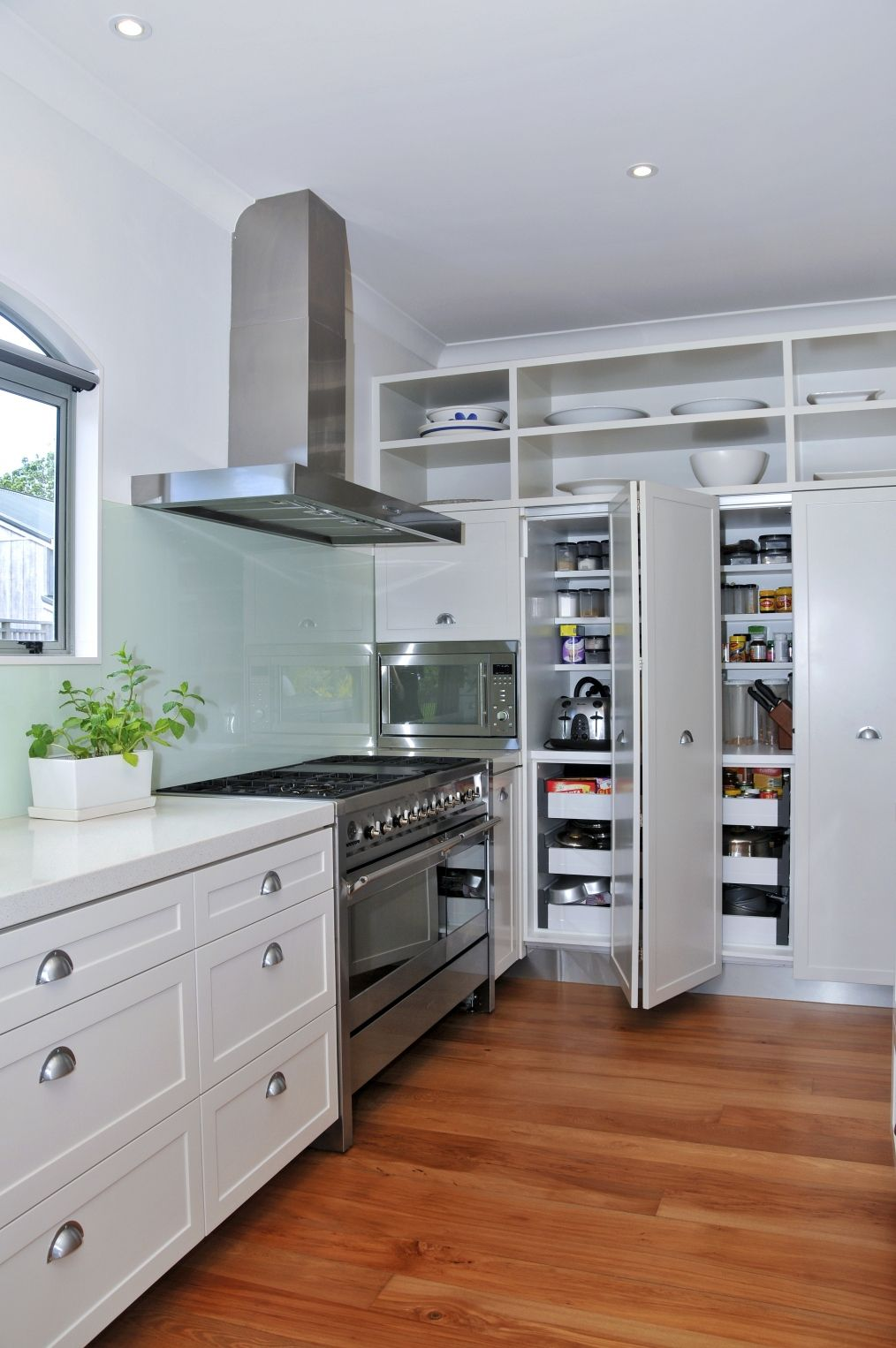 Kitchen cabinets with tigerwood floors - Future Bamboo Floors White Cabinets