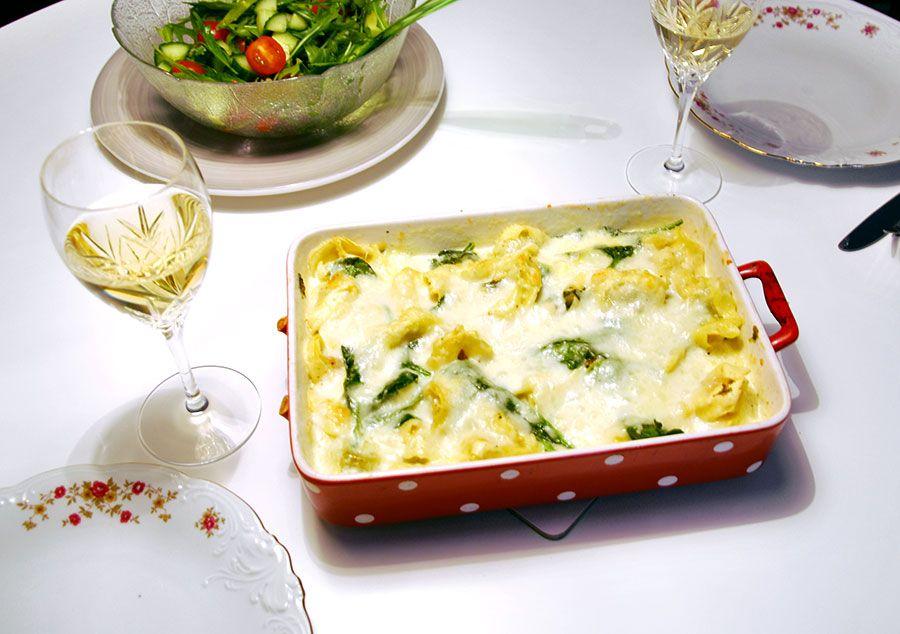 Pastagratang Med Tortellini Spenat Och Ostsas Vegetariska Recept Vegetarisk Mat Vegetariska Maltider