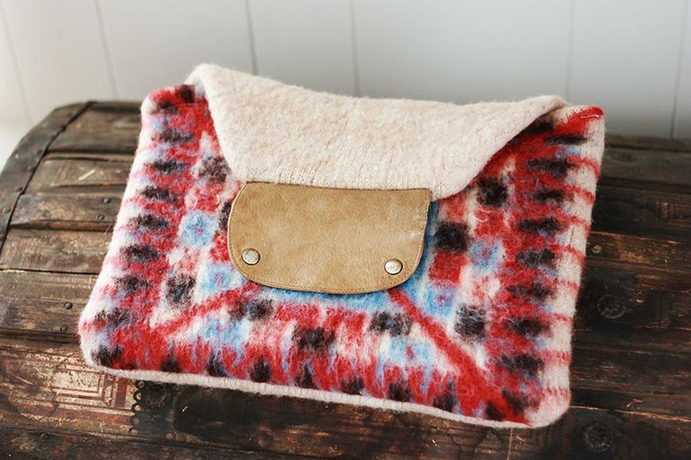 DIY Sweater Macbook Case