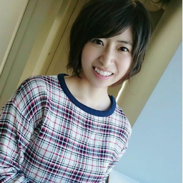 八重歯がかわいい南沢奈央