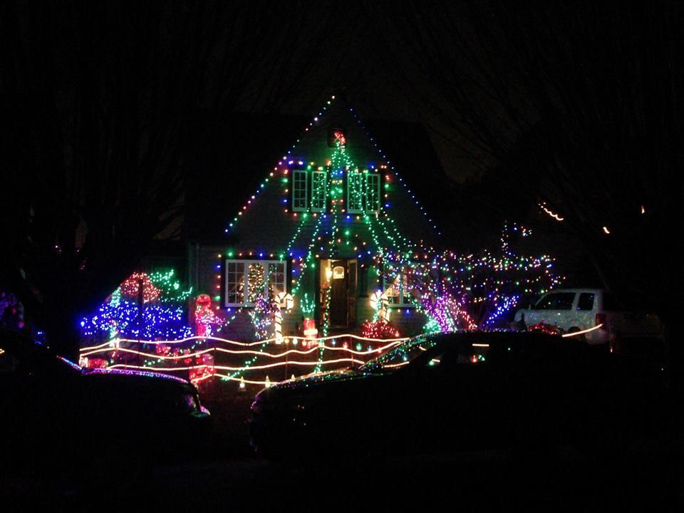 Here Are The Best Towns To See Stunning Christmas Lights Across The U S Best Christmas Light Displays Holiday Lights Display Holiday Event Decor
