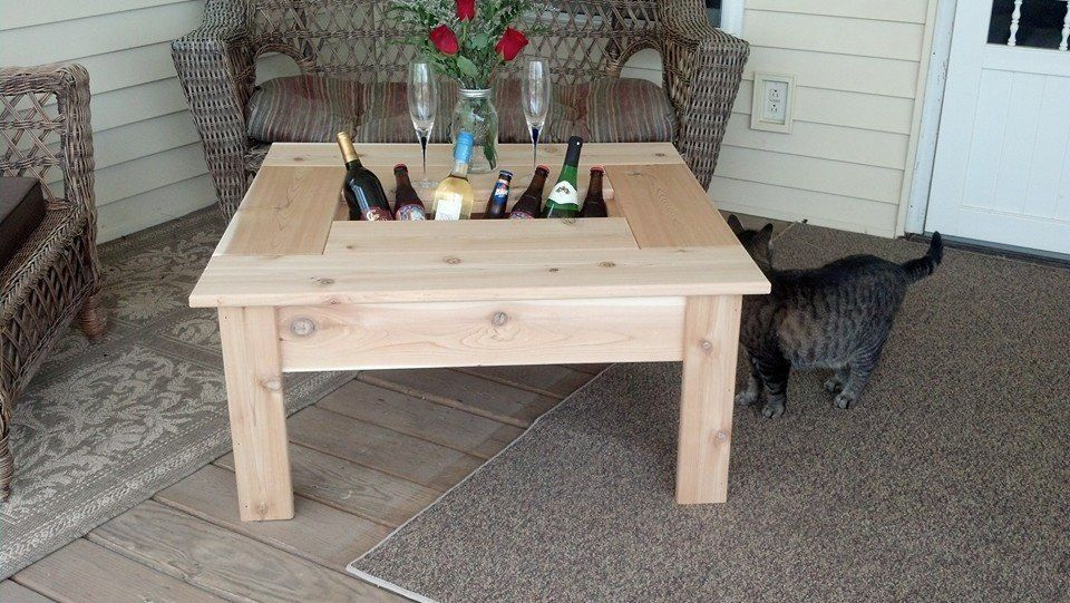 Cedar coffee table with built in beverage cooler Porch furniture