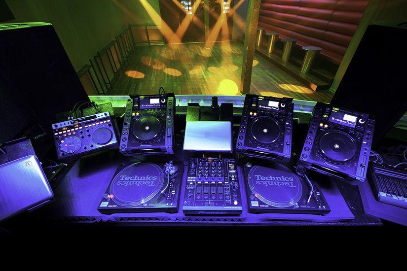 Kingdom Austins Best DJ Booth Headphones Pinterest Dj And