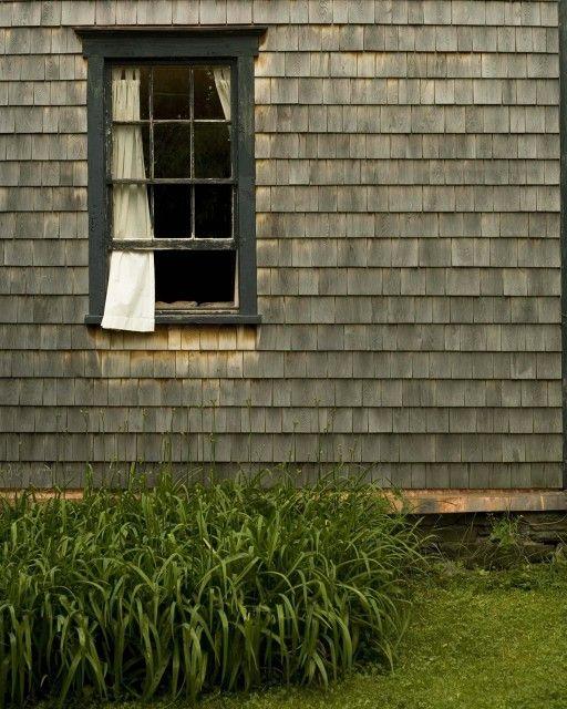 Best Weathered Cedar Siding With Dark Trim And Dark Window 400 x 300