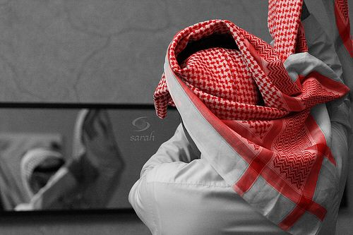 Pin By شذى الورد On رزة شماغ شماغ Tote Bag Saudi Men Tote