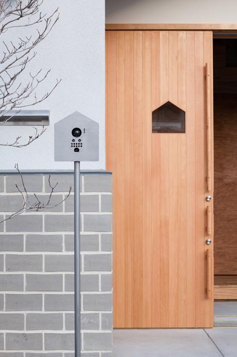 土間からの出入り口 玄関ドア おしゃれ ホームウェア 模様替え