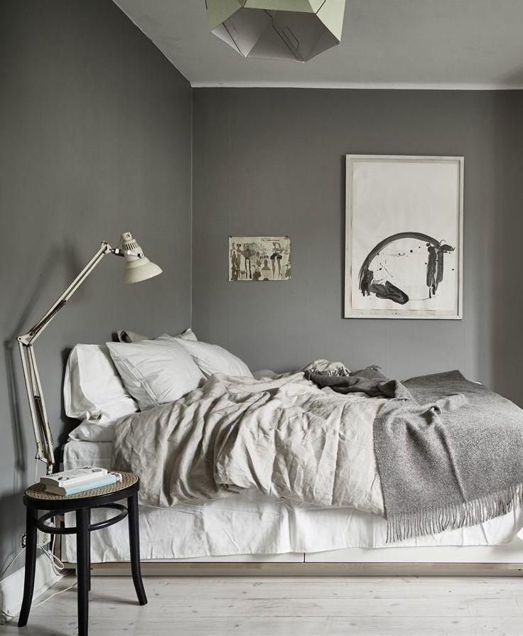 10 Dark bedroom walls via Dunkle